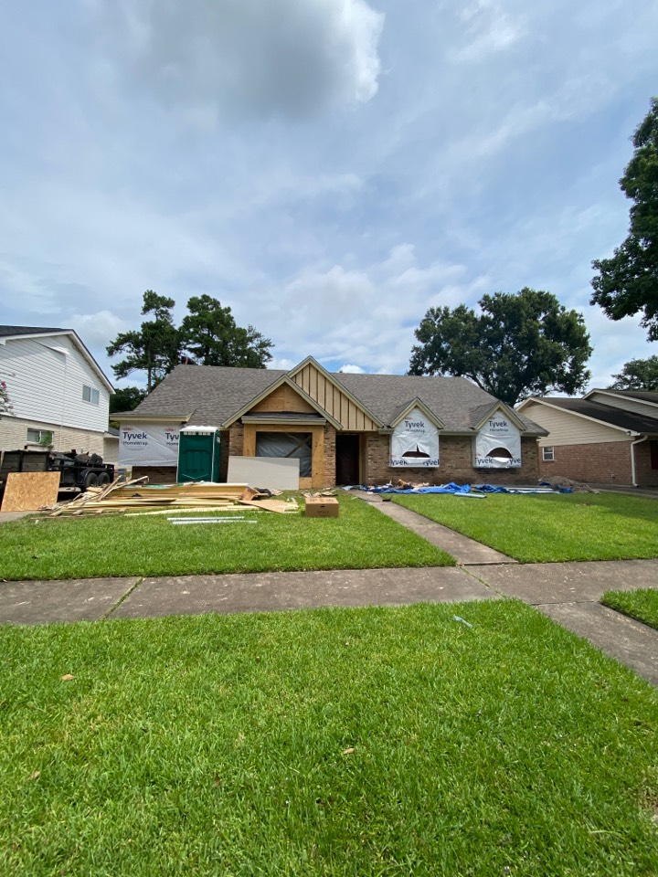 Houston, TX - New roof going up today! Can't wait to see the transformation!