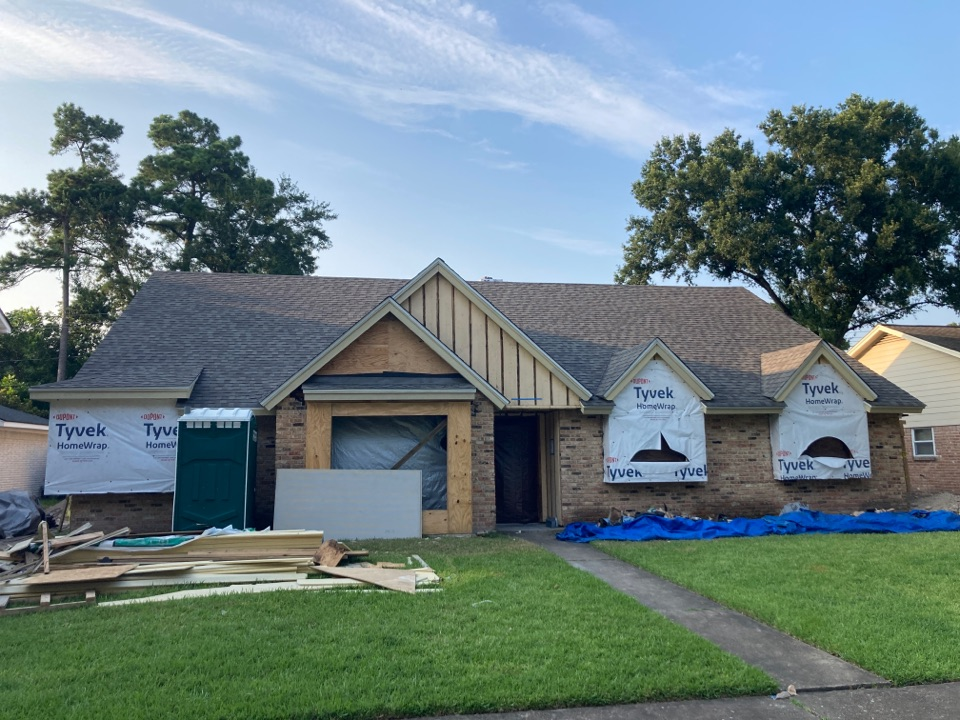 Houston, TX - Roof is finished! CertainTeed Landmark Weathered Wood shingles. Attic Breeze solar vent for ventilation!