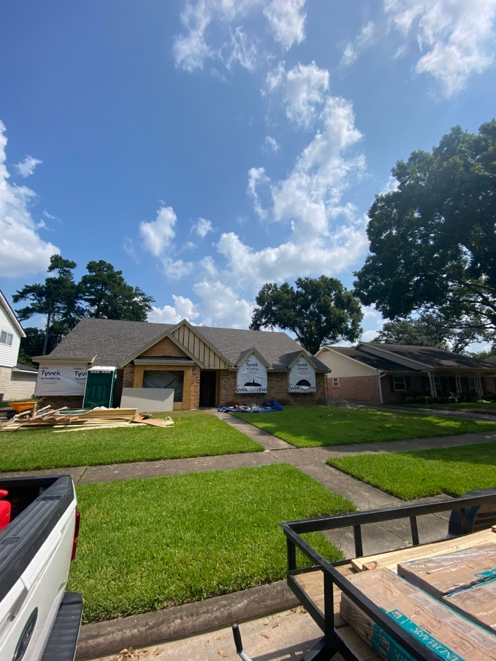 Houston, TX - Time for clean up! This roof is going to be a great addition to the full remodel