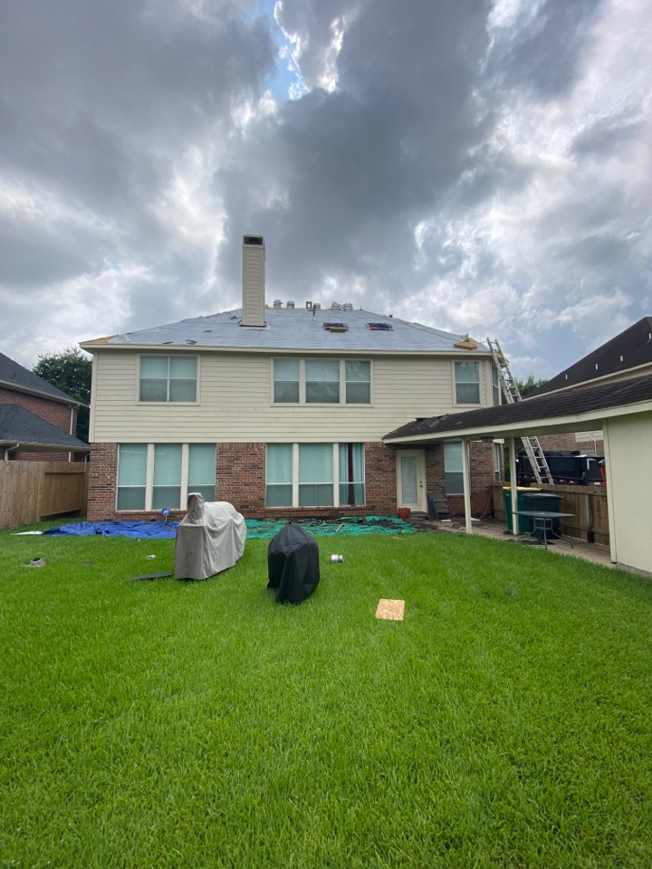 Pearland, TX - Tear down went well - onto the underlayment  process!