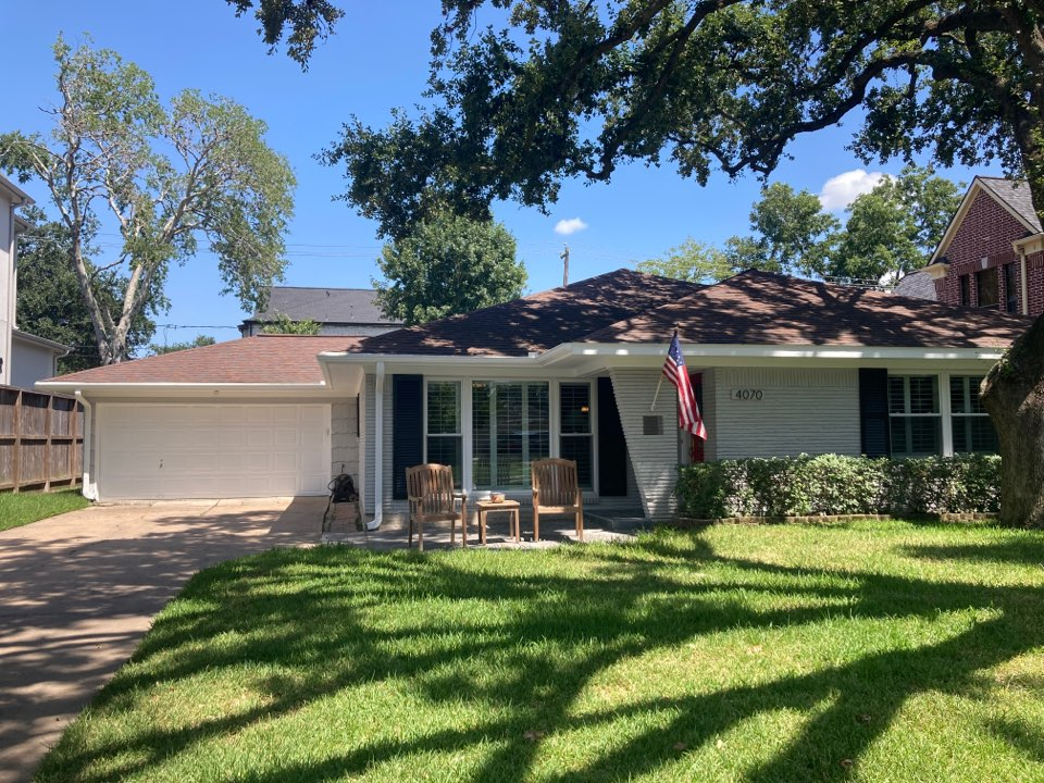 Houston, TX - Roof inspection this afternoon. Metal roof and asphalt shingle roof with roof leaks at the roof transition point. Will be preparing a roof repair proposal today!
