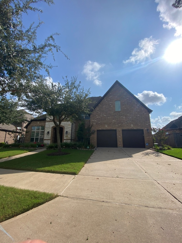Sugar Land, TX - Just got done with repairs to a valley on this home. Glad we could stop the leak before the storm👍🏻