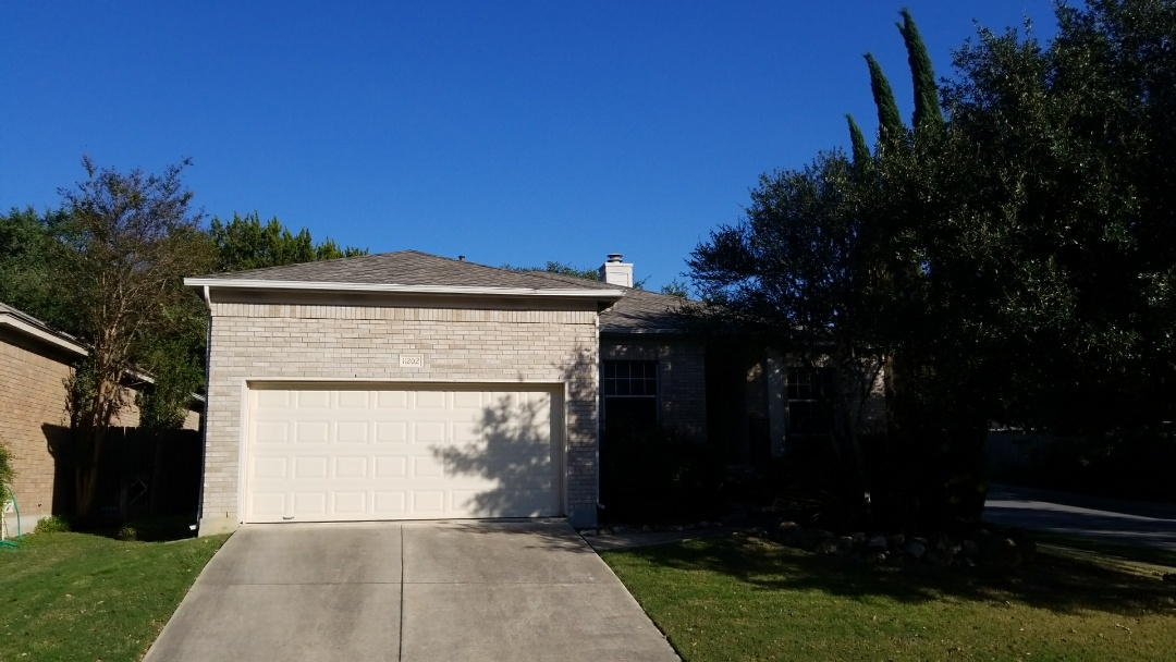 San Antonio, TX - Roof replacement GAF Timberline High Definition shingles with Z-ridge ridge cap