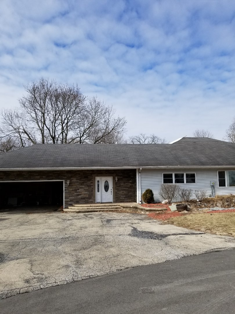 Newark, IL - New roof coming soon