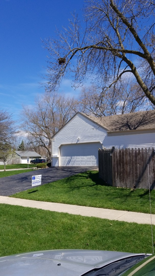 Montgomery, IL - New house fan starting soon