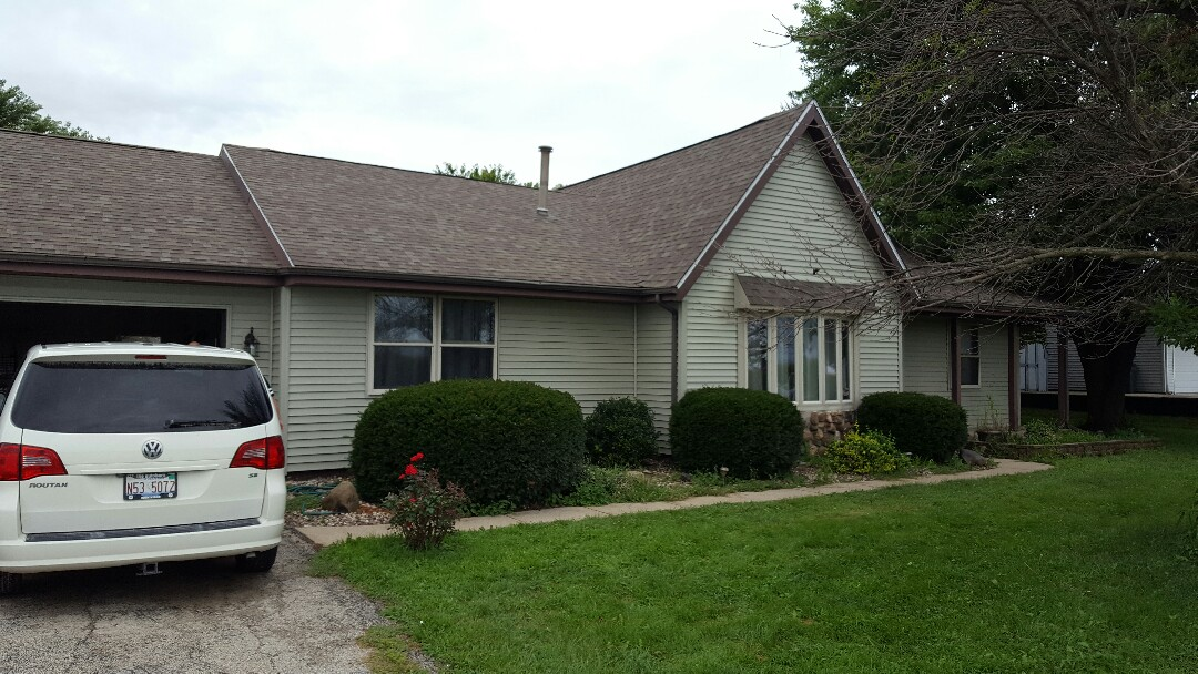 Marseilles, IL - New Mastic vinyl Siding project complete!!!