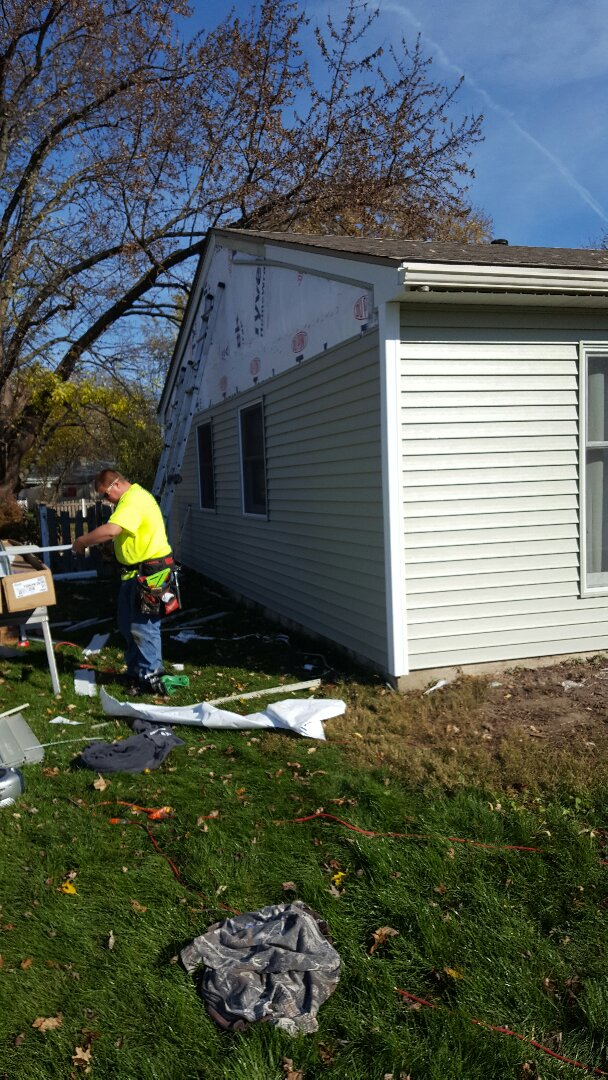 Montgomery, IL - New siding and fascia and soffit