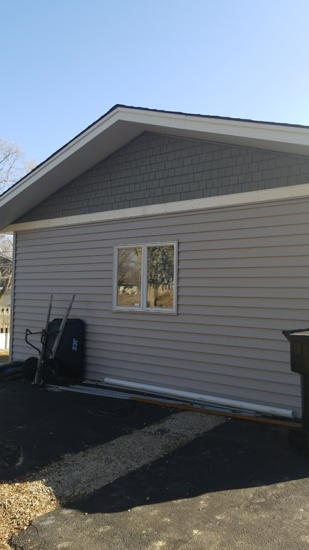Somonauk, IL - Siding repair