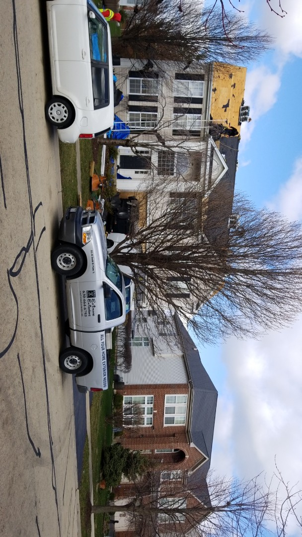 Bolingbrook, IL - New IKO CAMBRIDGE AR roofing project starting today.