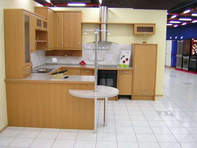 Our staff understands the nature of commercial kitchens and can work around the demanding schedules of a commercial kitchen and staff.