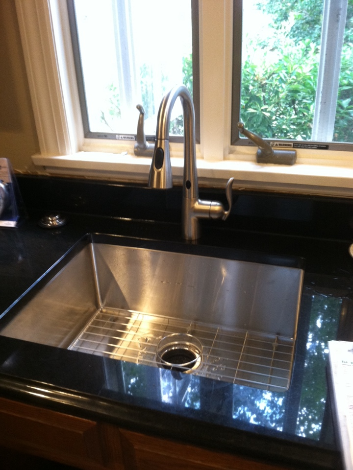 Monroe Township, NJ - I just installed this faucet and a new disposal