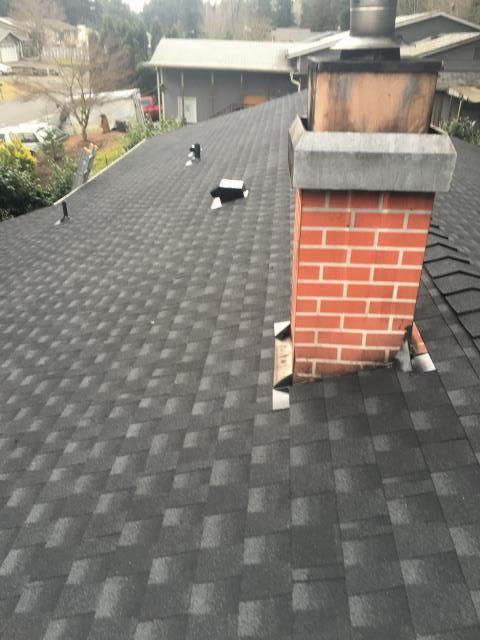 Auburn, WA - Another completed GAF composition HD roof, with a Lifetime System Plus Warranty on it. These homeowners will never have to worry about problems with their roof as long as they own it. Plus the warranty is transferable.