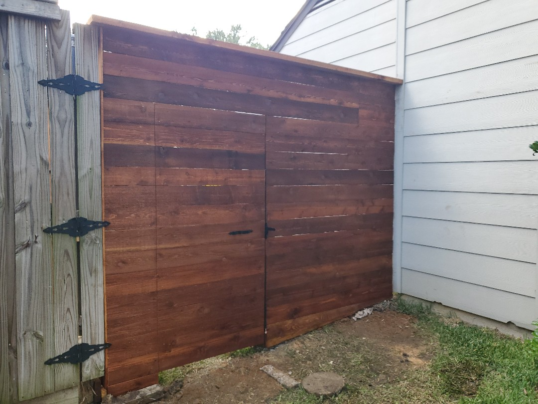 Arlington, TX - Finished a horizantal fence side by side cap on top gates and a side by side cap on top vertical