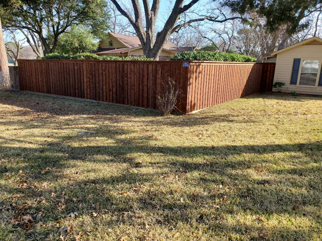 Arlington, TX - Board on board cap on top western red cedar 1x6x6