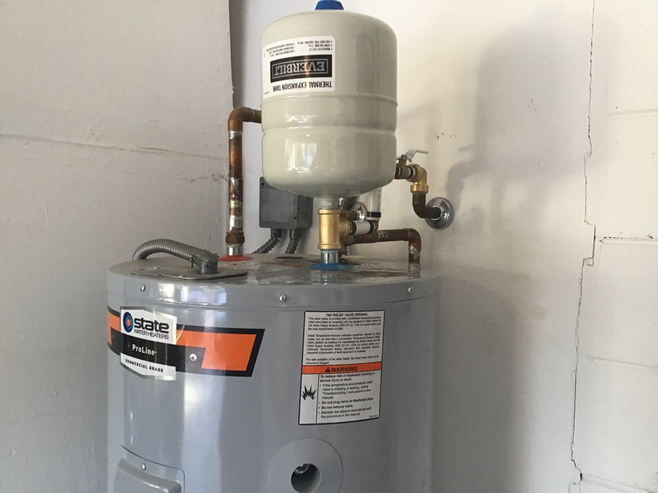 Installed expansion tank