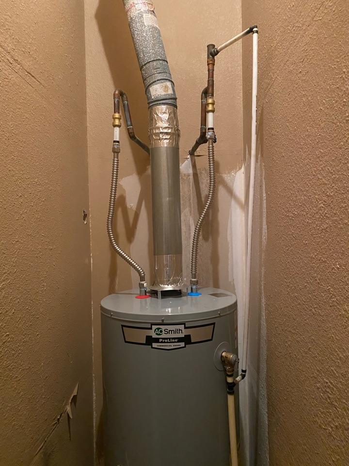 Longwood, FL - Remove 75 gallon install 50 gallon. No leaks