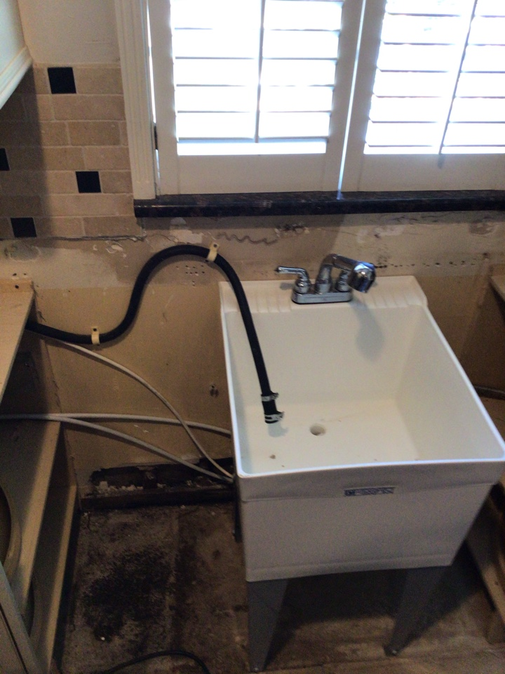 Maitland, FL - Client need install laundry sink temporary.