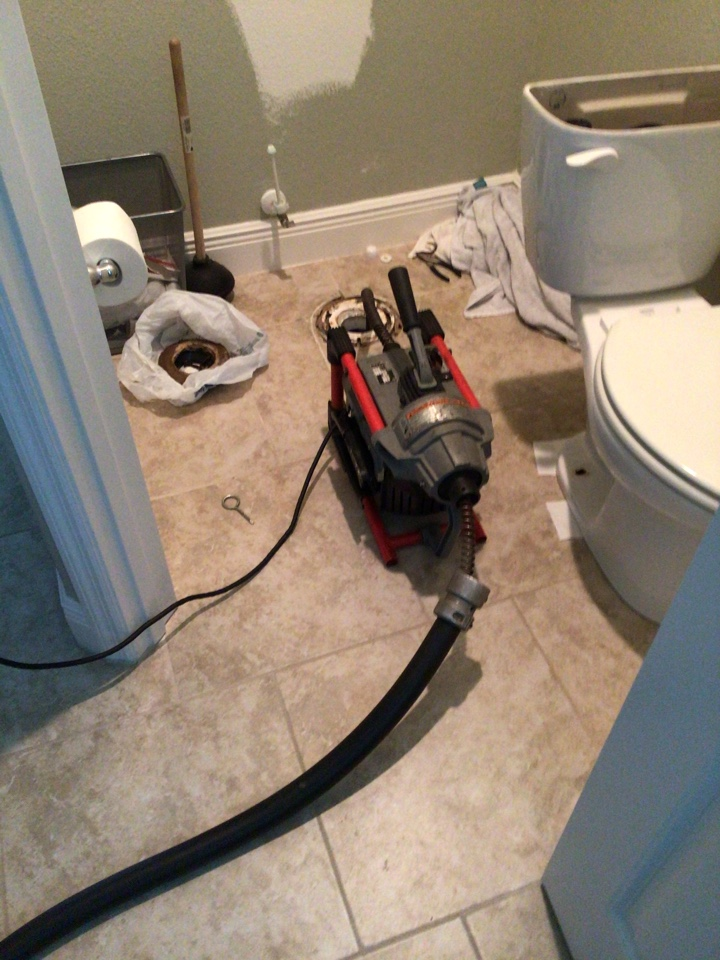 Deltona, FL - Client have master bathroom clogged, I cleaner th drain with my drain cleaner machine