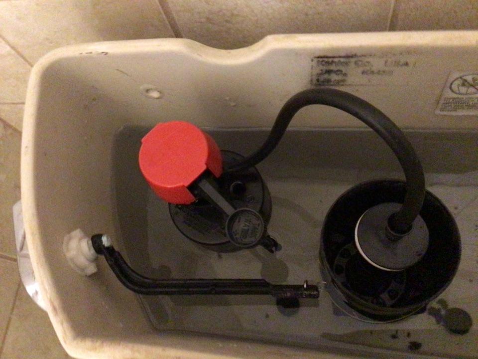 Apopka, FL - Client have toilet still running, i install new fill valve and kohler ring.