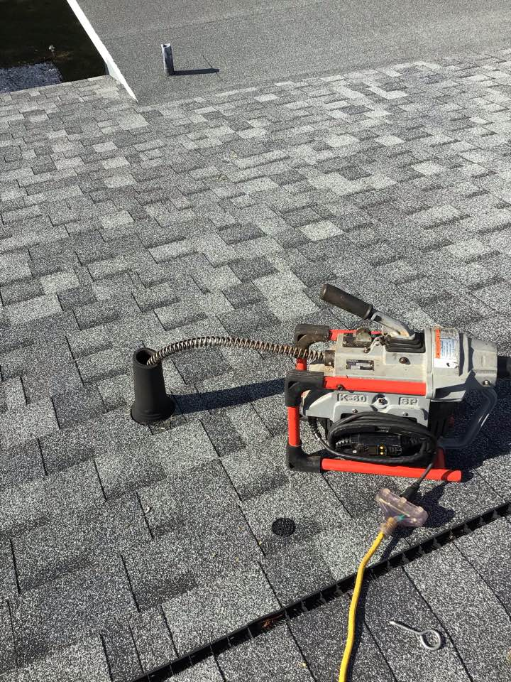 Orlando, FL - Client have kitchen sink and laundry drain clogged, I cleaner with my drain cleaner machine from the roof vent.