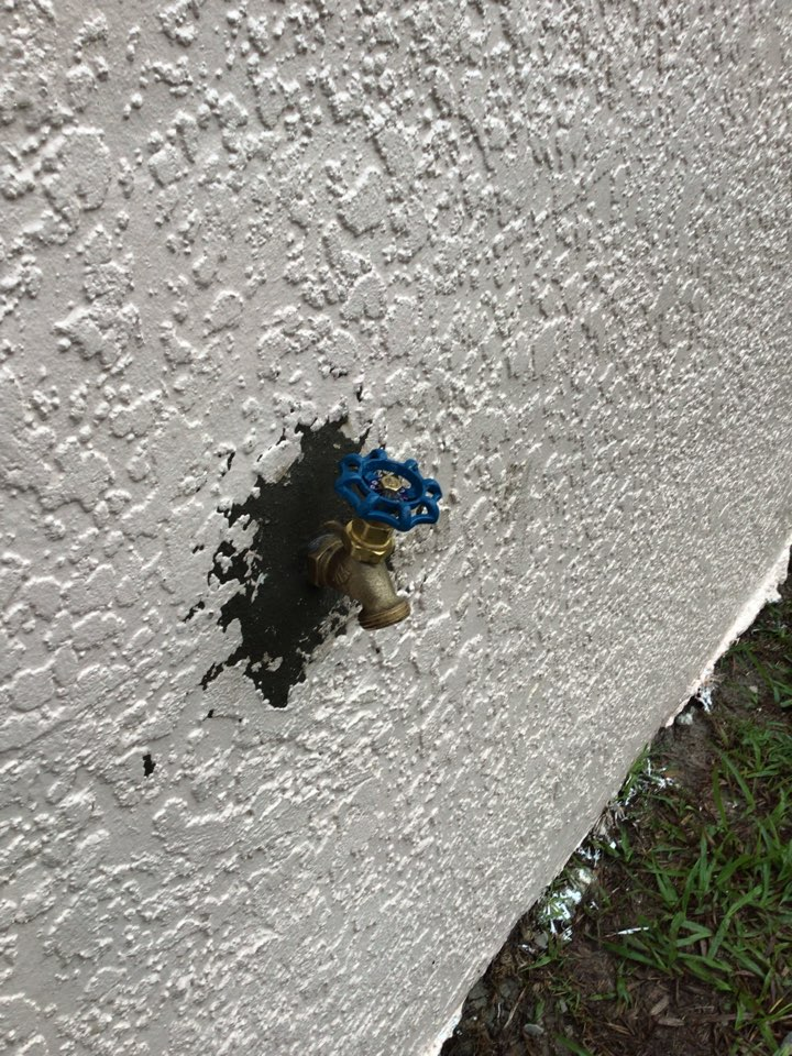 Sanford, FL - I install new hoses bib.