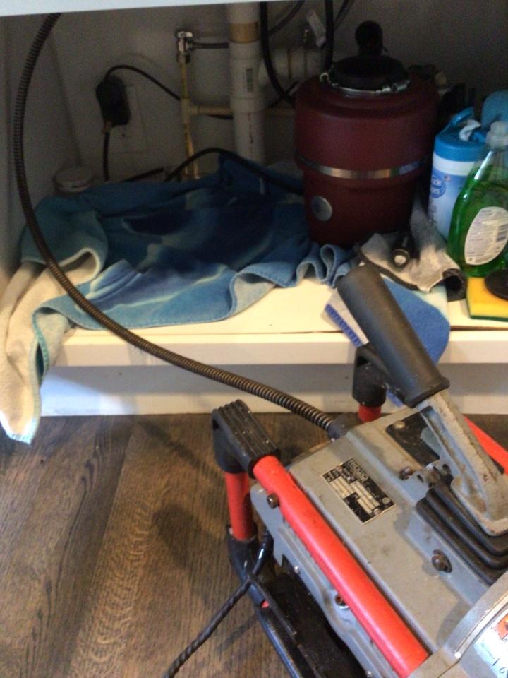 Winter Park, FL - Client have kitchen sink clogged, i cleaner the kitchen sink drain with my drain cleaner machine.