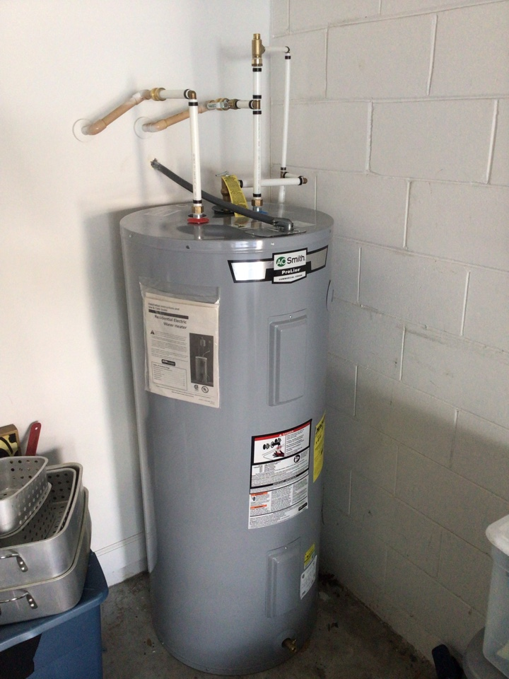 Lake Mary, FL - I install new water heater 55 gal electric in the garage.