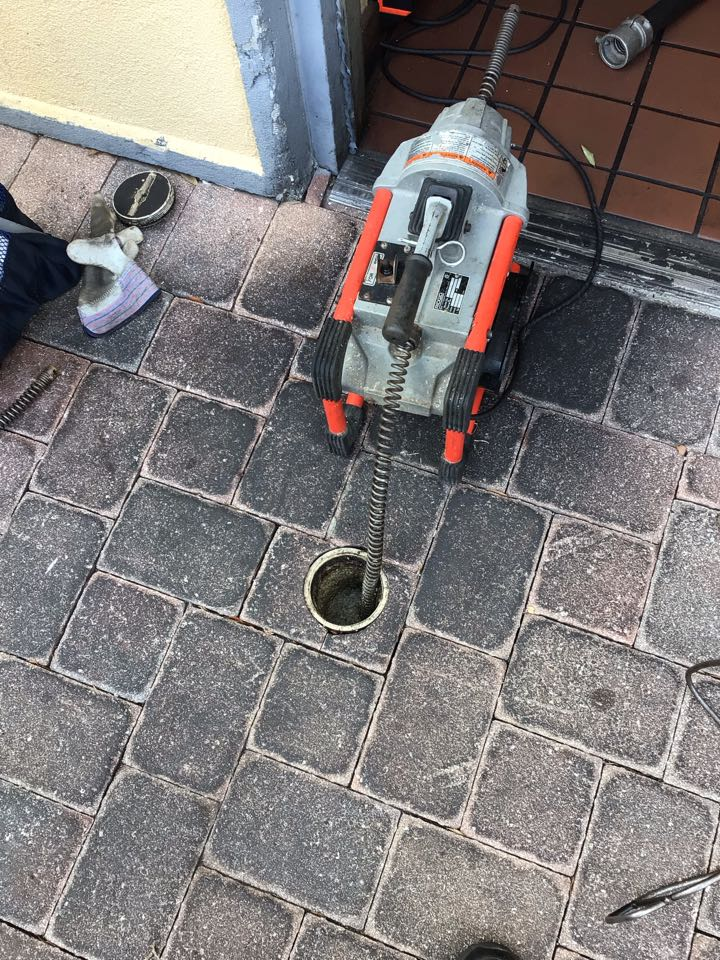 Winter Park, FL - Client have bathroom drain clogged, i cleaner the drain with my drain cleaner machine.