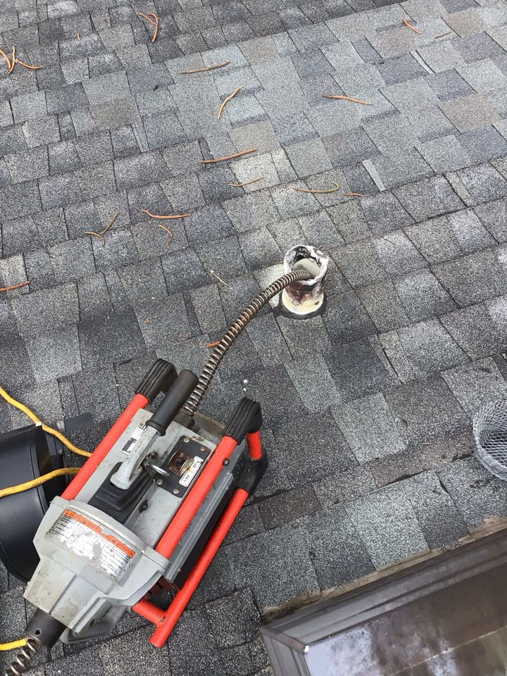 Winter Park, FL - Client have two bathroom drain clogged, i cleaner the drain line with my drain cleaner machine from the roof.