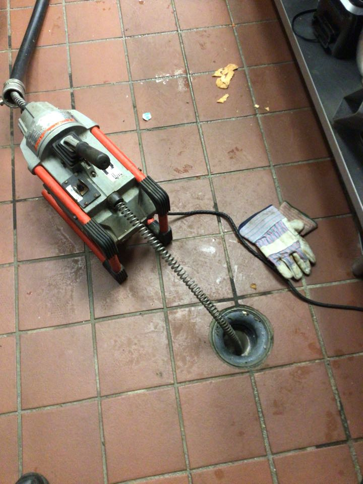 Sanford, FL - The restaurant have floor drain clogged,i cleaner the drain line with my drain cleaner machine.