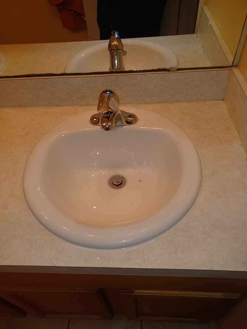 Oviedo, FL - Installed 2 new toilets and 2 new sinks with faucets
