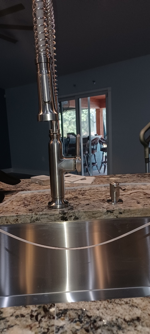 Lake Mary, FL - Display and kitchen faucet install