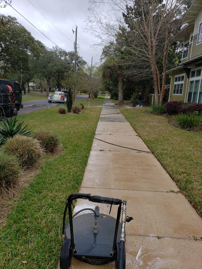 House Washing and concrete cleaning in Pensacola