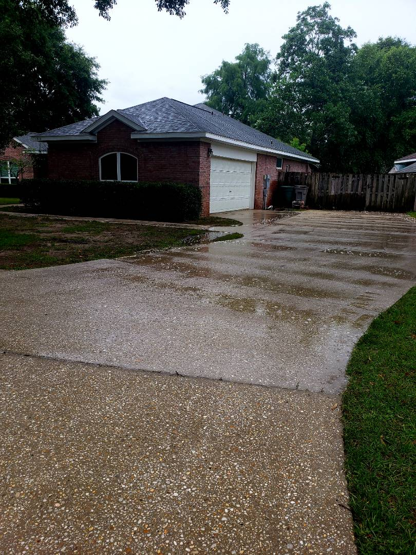 Cantonment, FL - House washing, roof & concrete cleaning