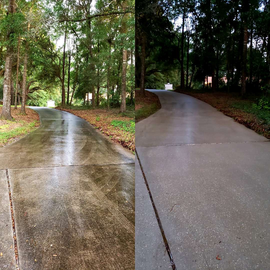Cantonment, FL - Driveway cleaning in Cantonment.