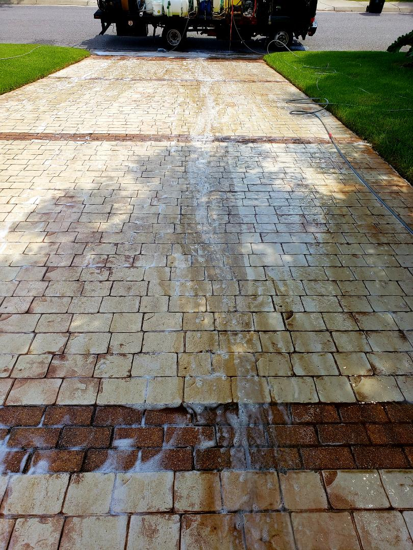 Driveway cleaning in Pensacola