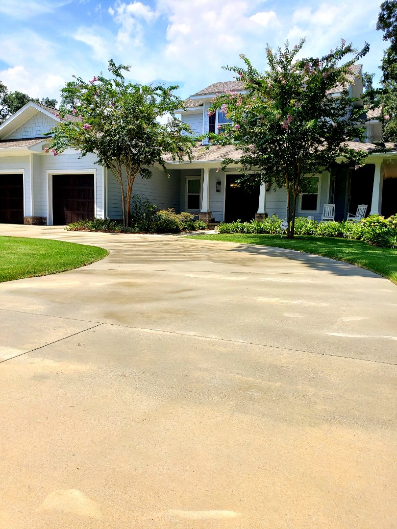 House washing & driveway cleaning in Gulf Breeze.