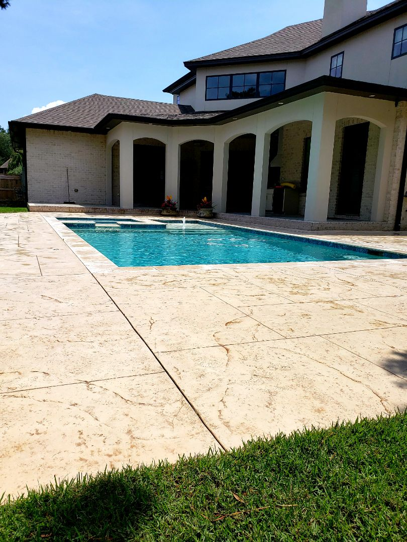 Pool deck & driveway cleaning in Gulf Breeze