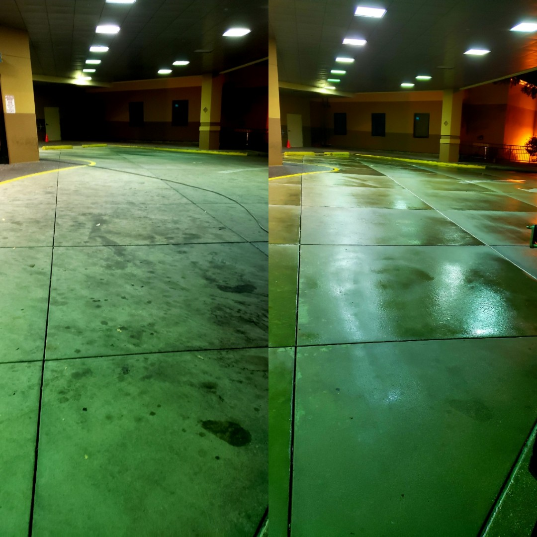Pensacola, FL - Emergency room drop off area concrete cleaning.