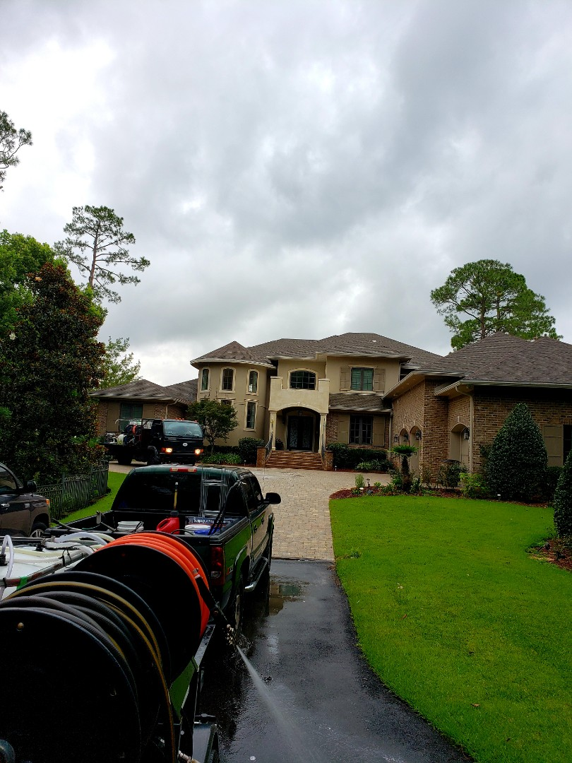 Pensacola, FL - House washing & pool deck/driveway cleaning in Pensacola.