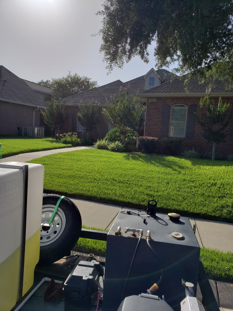 Gulf Breeze, FL - House washing & driveway cleaning in Gulf Breeze.