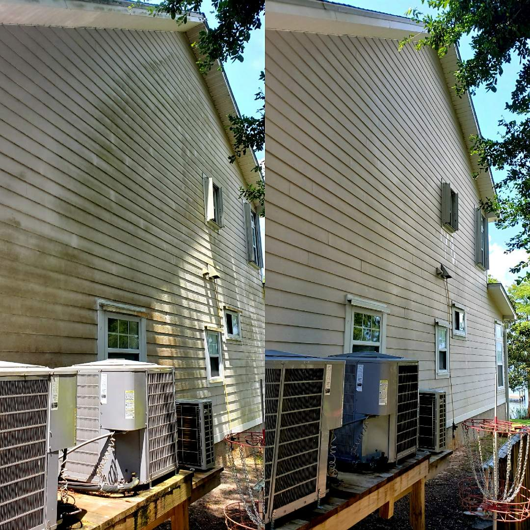 Gulf Breeze, FL - House washing