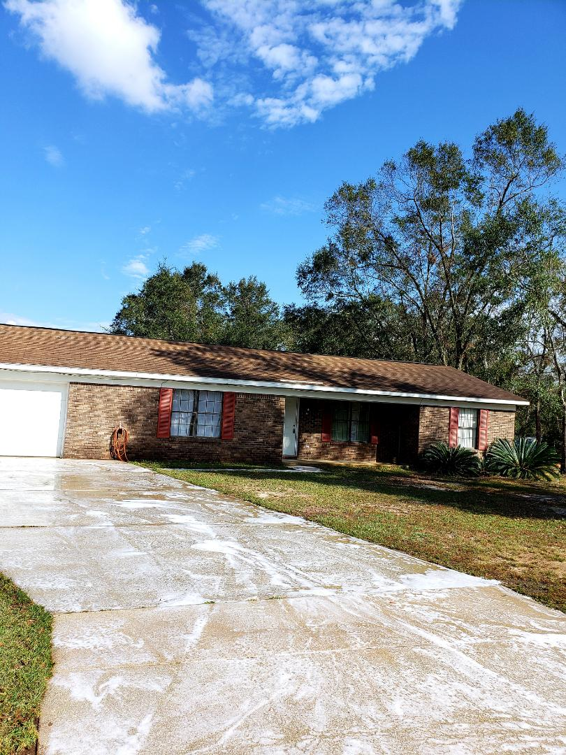 Pensacola, FL - Pressure washing in Cantonment.