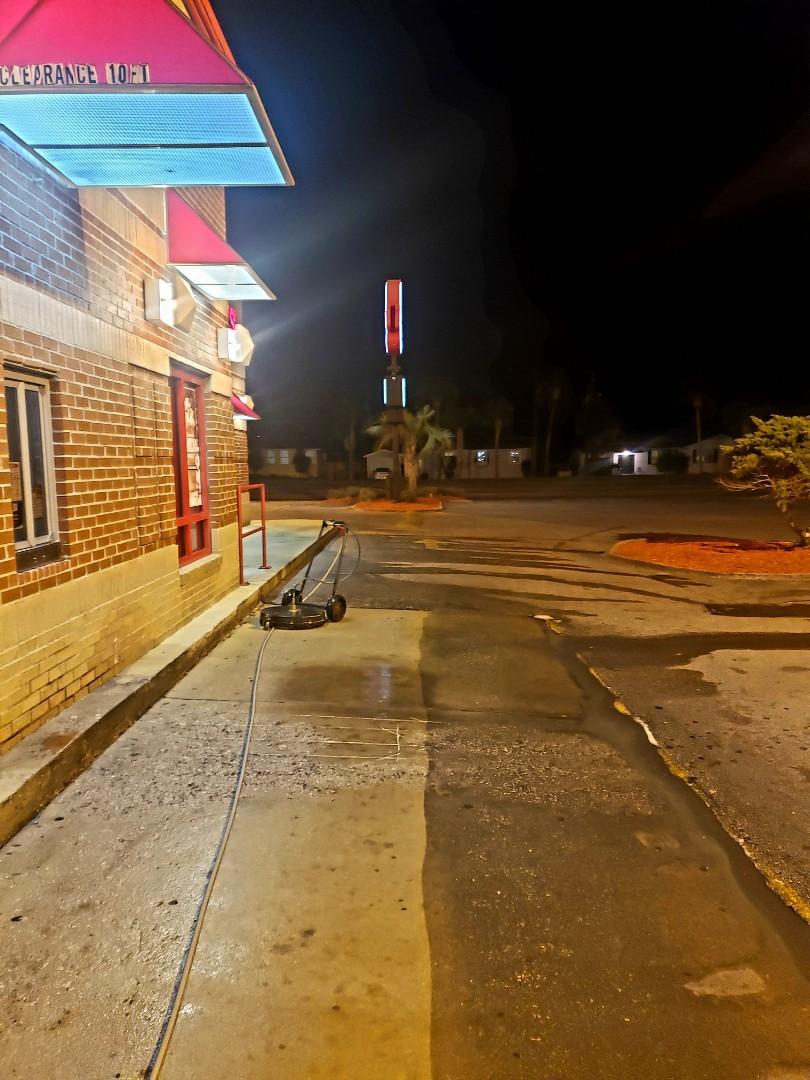 Fort Walton Beach, FL - Drive through cleaning
