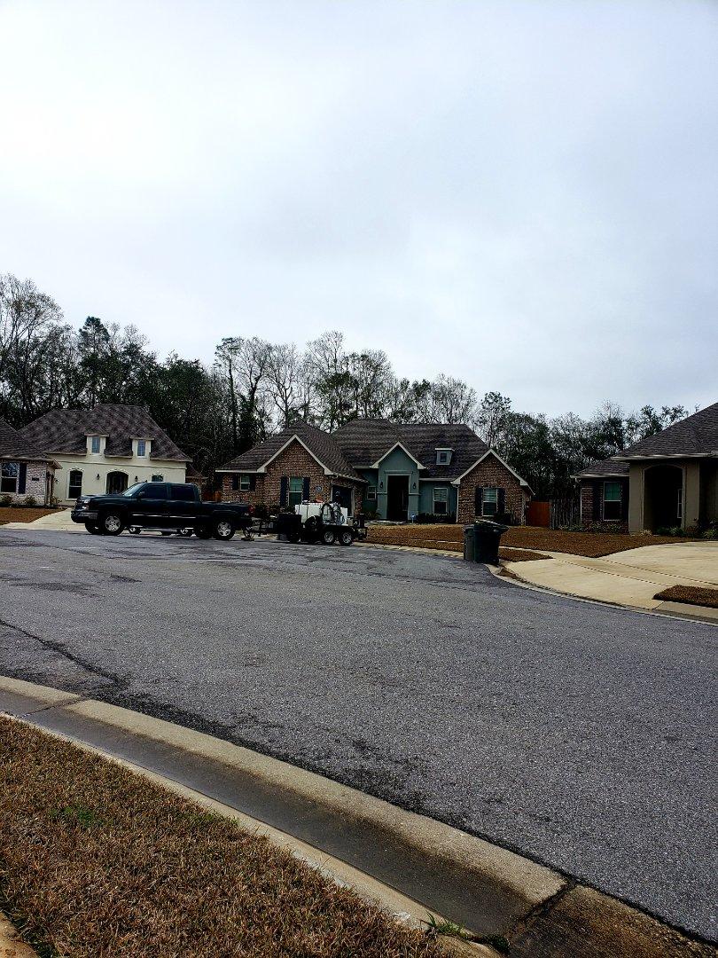 Power washing house & driveway