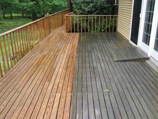 Wood Deck & Boat Docks Pressure Washing Services in Pensacola : Do you have a deck that circumvents your home? Perhaps you have one that is adjacent to your swimming pool that has not been cleaned for years. 