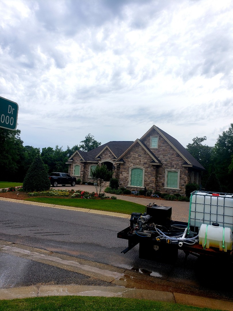 Cantonment, FL - House washing & driveway cleaning