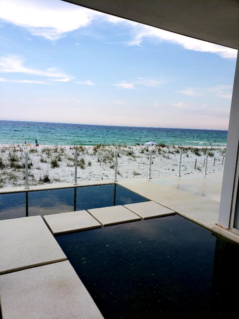 Pensacola Beach, FL - House washing
