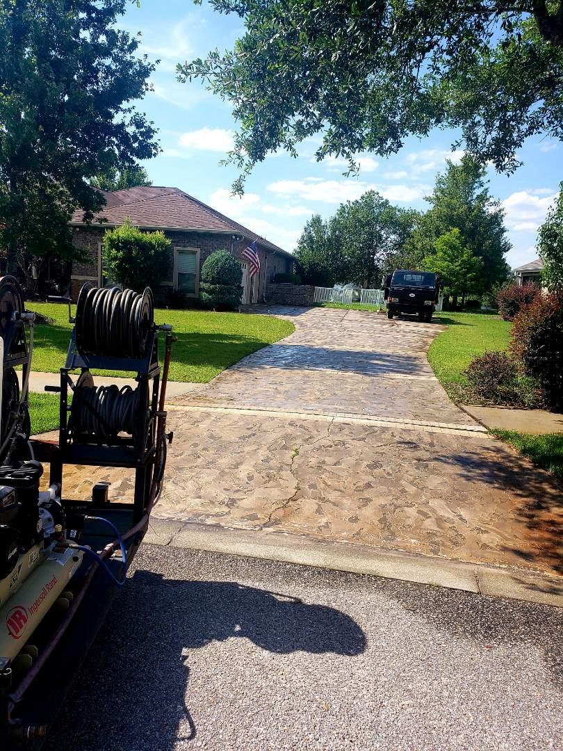 Milton, FL - Pool deck & concrete cleaning