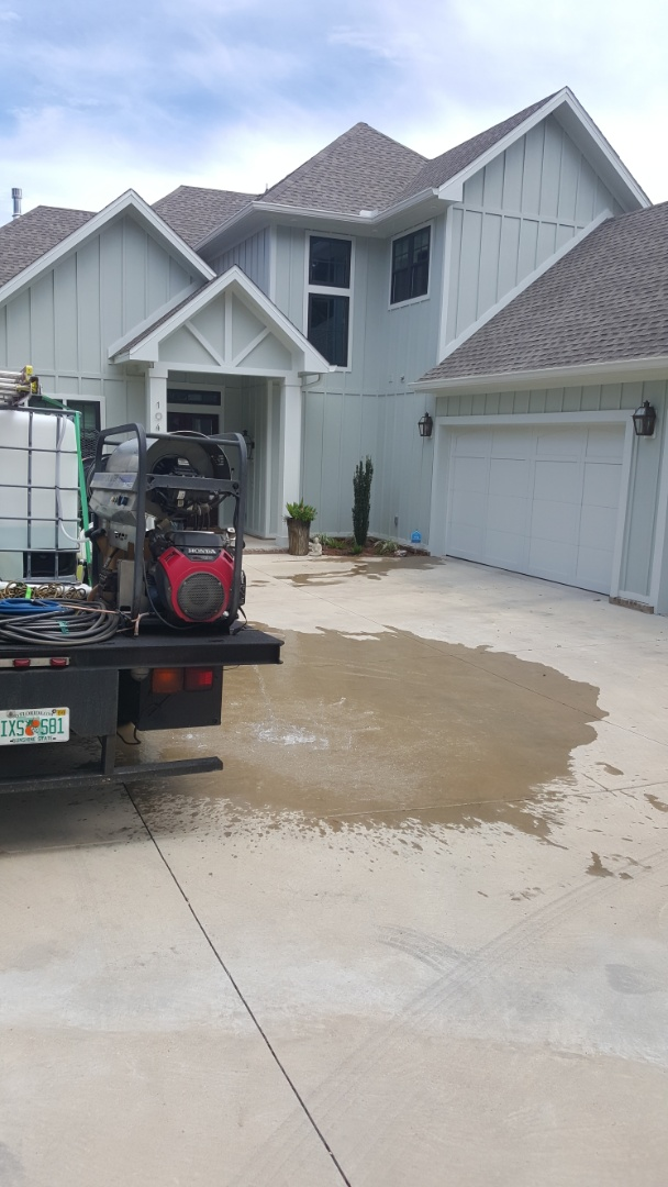 House washing in East Hill Pensacola